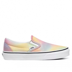 VANS : CLASSIC SLIP-ON AURA SHIFT